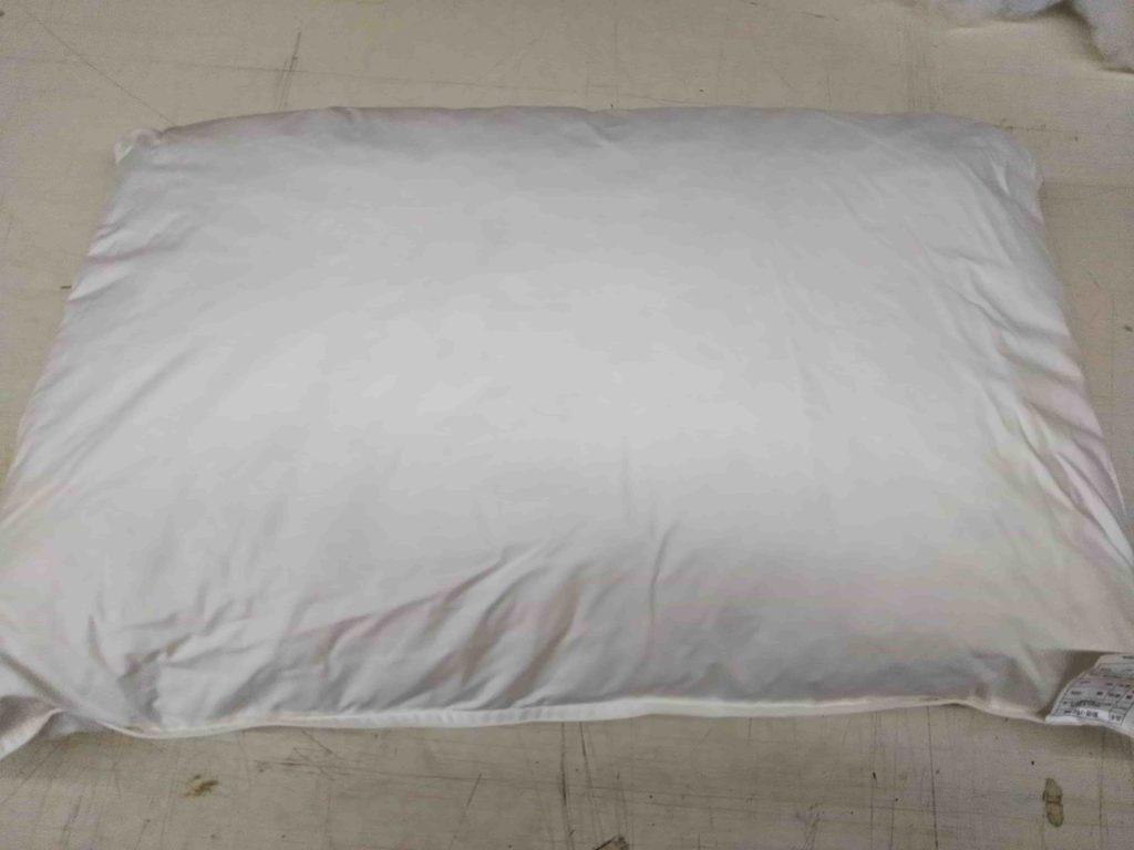 半フェザー半パイプ枕の表面